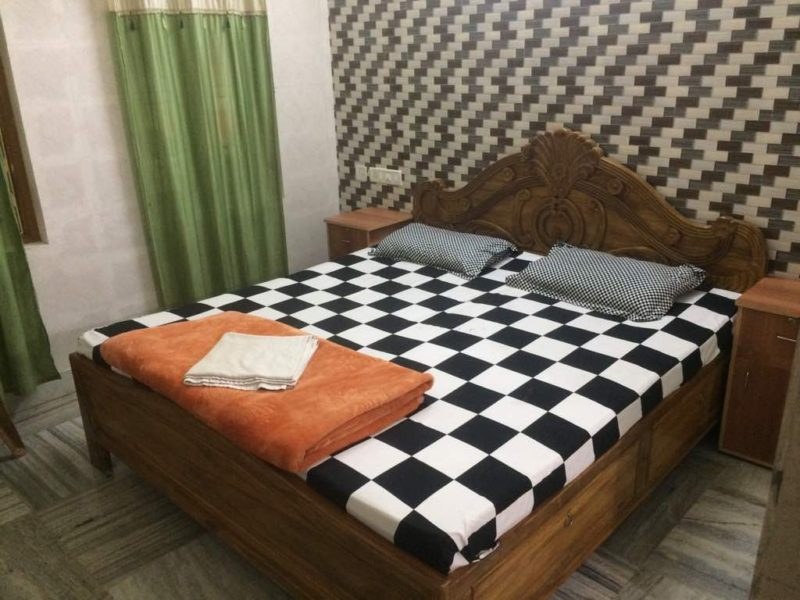 AC Deluxe Room With Excellent Comfort - Patra Guest House Bhubaneswar